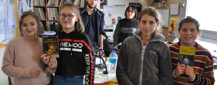 Des élèves de 6ème s'initient à la critique littéraire à Radio Zéma