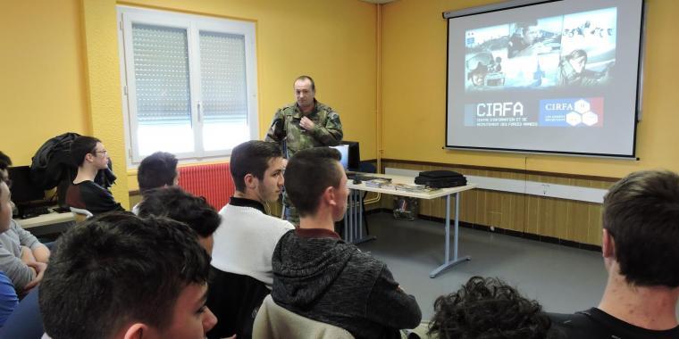 Intervention du bureau de recrutement de l'armée pour les élèves de Terminale Bac Professionnel secteur industriel