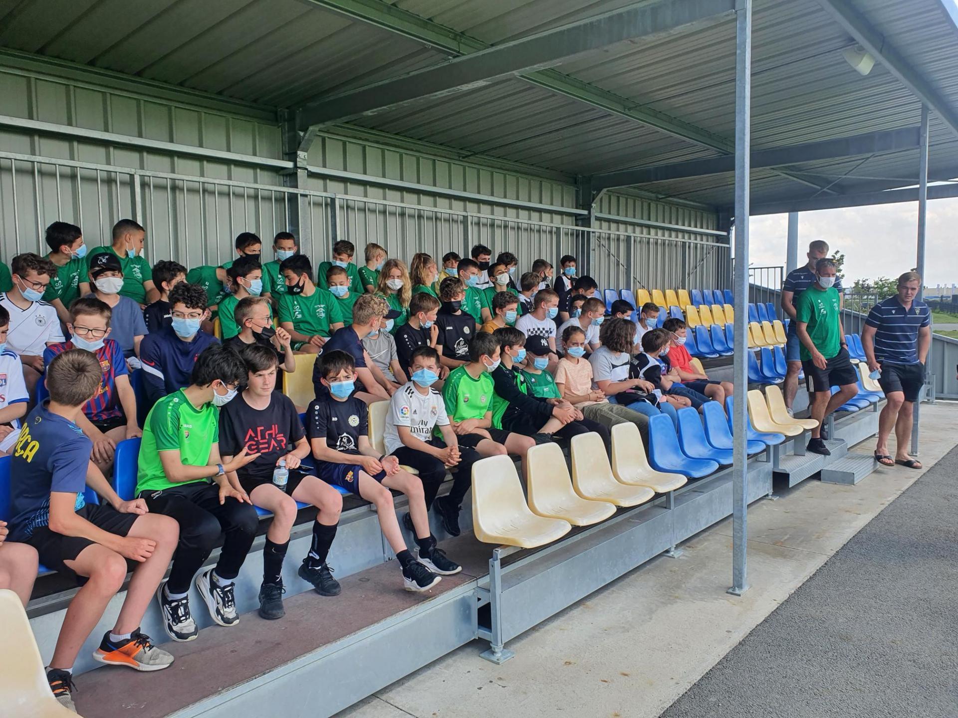 Visite du centre de formation partagé de l'ASM et du Clermont Foot pour les élèves de 6ème et 5ème de la section football du collège