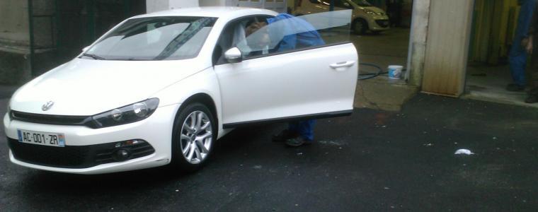 Opération nettoyage automobile pour les lycéens de la section carrosserie