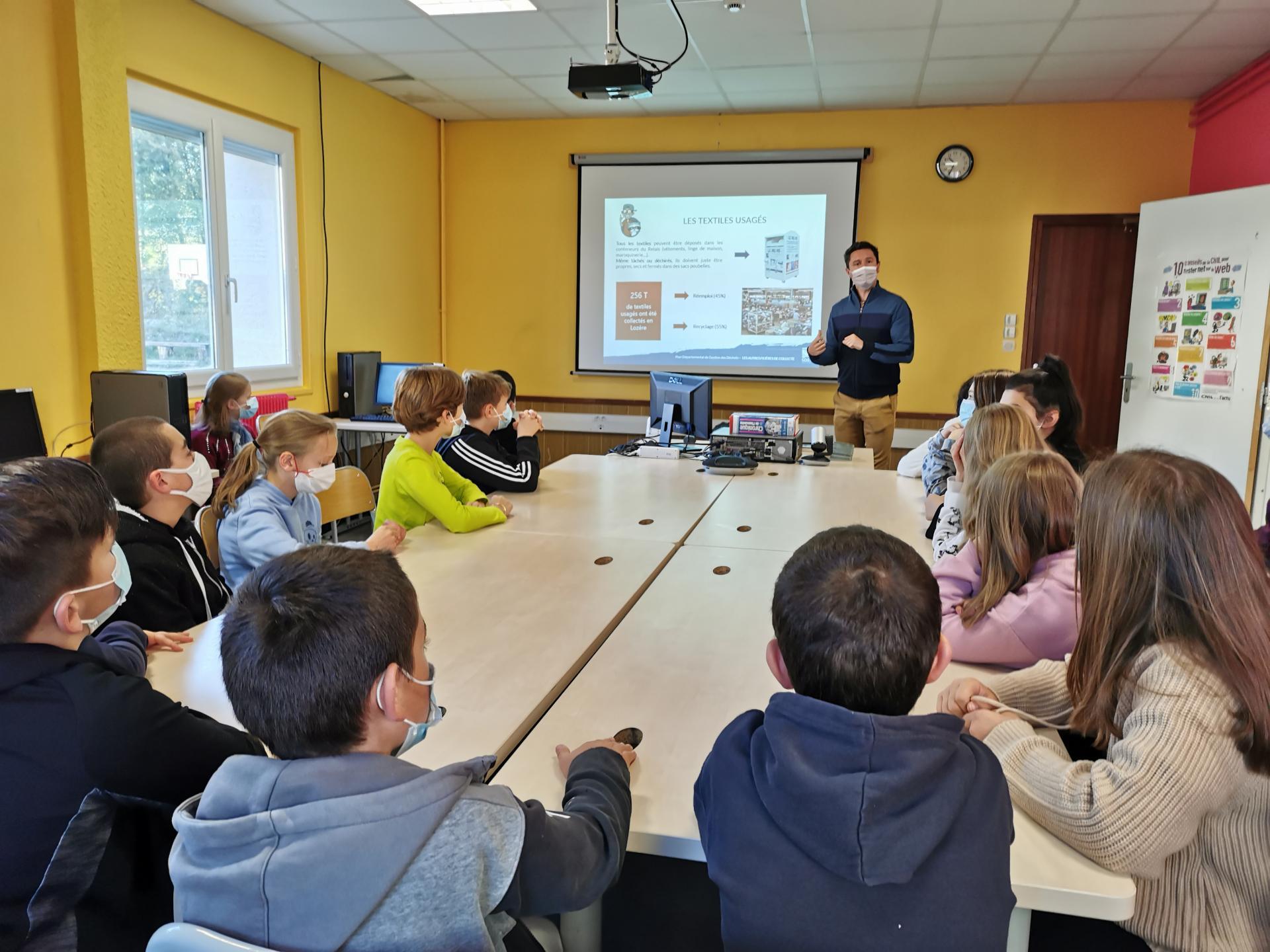 Interventions du SDEE de Mende en 6ème sur la gestion et le tri des déchets en Lozère