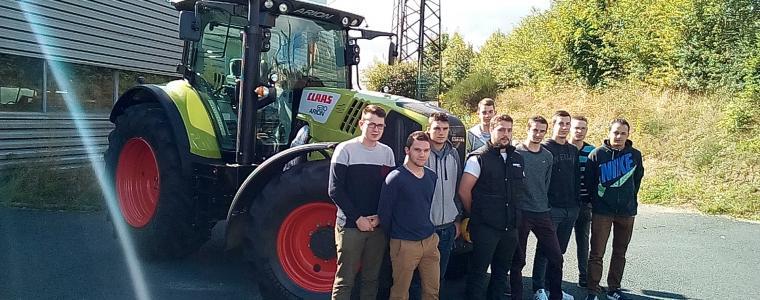 Présence d'un tracteur CLAAS à l'année sur l'établissement du Sacré Cœur 2017