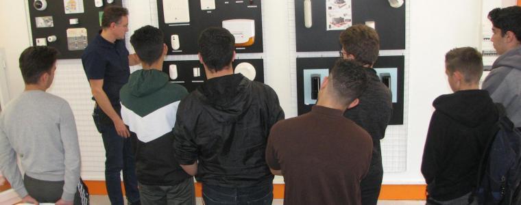 La section Systèmes Numériques visite une entreprise