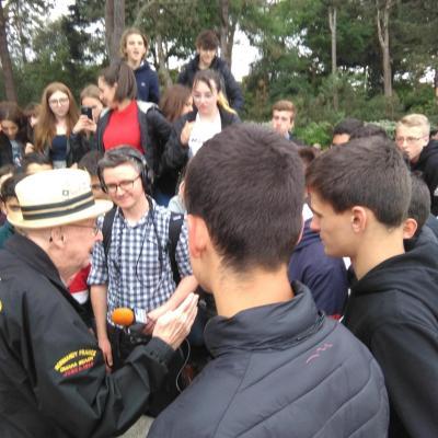 Un moment inoubliable : la rencontre de nos élèves avec un vétéran du débarquement